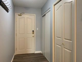 Photo 4: 111 16303 95 Street in Edmonton: Zone 28 Condo for sale : MLS®# E4160556
