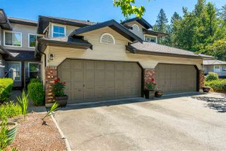 """Main Photo: 3 36060 OLD YALE Road in Abbotsford: Abbotsford East Townhouse for sale in """"MOUNTAIN VIEW VILLAGE"""" : MLS®# R2378360"""