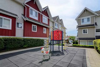 "Photo 19: 106 1661 FRASER Avenue in Port Coquitlam: Glenwood PQ Townhouse for sale in ""FRASER MEWS"" : MLS®# R2385321"