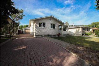 Photo 1: 484 Paufeld Drive in Winnipeg: North Kildonan Residential for sale (3F)  : MLS®# 1922936
