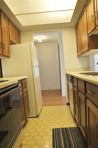 """Photo 7: 704 4134 MAYWOOD Street in Burnaby: Metrotown Condo for sale in """"Park Avenue Towers"""" (Burnaby South)  : MLS®# R2447234"""
