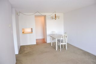 """Photo 4: 704 4134 MAYWOOD Street in Burnaby: Metrotown Condo for sale in """"Park Avenue Towers"""" (Burnaby South)  : MLS®# R2447234"""