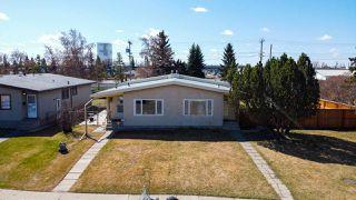 Photo 2: 6313 84 Avenue in Edmonton: Zone 18 House Half Duplex for sale : MLS®# E4195973