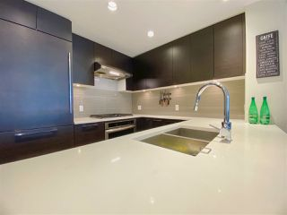 """Photo 7: 2603 3102 WINDSOR Gate in Coquitlam: New Horizons Condo for sale in """"CELADON"""" : MLS®# R2478825"""