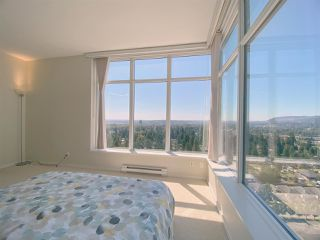 """Photo 2: 2603 3102 WINDSOR Gate in Coquitlam: New Horizons Condo for sale in """"CELADON"""" : MLS®# R2478825"""