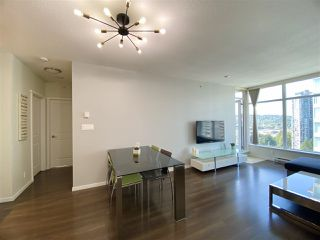"""Photo 6: 2603 3102 WINDSOR Gate in Coquitlam: New Horizons Condo for sale in """"CELADON"""" : MLS®# R2478825"""