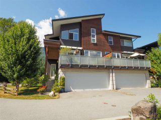 """Photo 24: 1 41488 BRENNAN Road in Squamish: Brackendale Townhouse for sale in """"Rivendale"""" : MLS®# R2485406"""