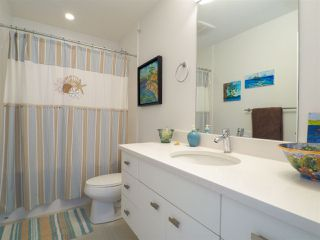 """Photo 17: 1 41488 BRENNAN Road in Squamish: Brackendale Townhouse for sale in """"Rivendale"""" : MLS®# R2485406"""
