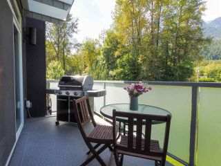"""Photo 22: 1 41488 BRENNAN Road in Squamish: Brackendale Townhouse for sale in """"Rivendale"""" : MLS®# R2485406"""