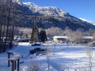 """Photo 29: 1 41488 BRENNAN Road in Squamish: Brackendale Townhouse for sale in """"Rivendale"""" : MLS®# R2485406"""