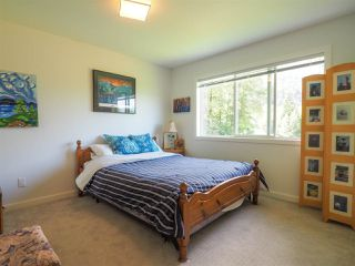 """Photo 16: 1 41488 BRENNAN Road in Squamish: Brackendale Townhouse for sale in """"Rivendale"""" : MLS®# R2485406"""