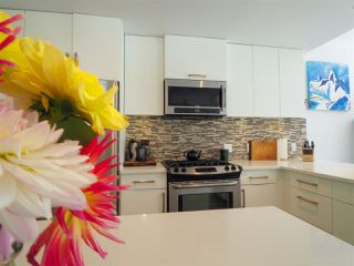 """Photo 2: 1 41488 BRENNAN Road in Squamish: Brackendale Townhouse for sale in """"Rivendale"""" : MLS®# R2485406"""