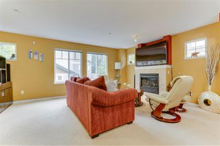 "Photo 3: 26 12711 64 Avenue in Surrey: West Newton Townhouse for sale in ""Palette on the Park"" : MLS®# R2498817"