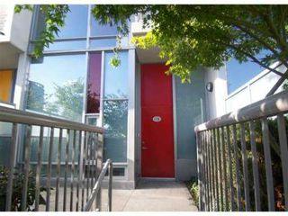"Photo 1: 118 DUNSMUIR Street in Vancouver: Downtown VW Townhouse for sale in ""SPECTRUM 4"" (Vancouver West)  : MLS®# V878598"