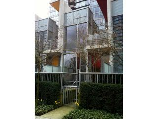"Photo 2: 118 DUNSMUIR Street in Vancouver: Downtown VW Townhouse for sale in ""SPECTRUM 4"" (Vancouver West)  : MLS®# V878598"