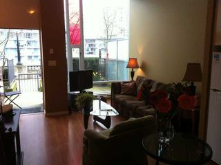 "Photo 4: 118 DUNSMUIR Street in Vancouver: Downtown VW Townhouse for sale in ""SPECTRUM 4"" (Vancouver West)  : MLS®# V878598"