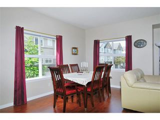 """Photo 4: 55 1055 RIVERWOOD Gate in Port Coquitlam: Riverwood Townhouse for sale in """"MOUNTAIN VIEW ESTATES"""" : MLS®# V888731"""