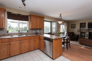 Photo 11: 2402 MARIANA Place in Coquitlam: Cape Horn House for sale : MLS®# V1028959