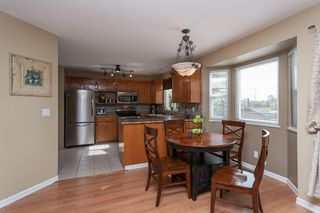 Photo 12: 2402 MARIANA Place in Coquitlam: Cape Horn House for sale : MLS®# V1028959