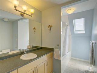 Photo 11: 803 Piermont Place in VICTORIA: Vi Rockland Single Family Detached for sale (Victoria)  : MLS®# 329617