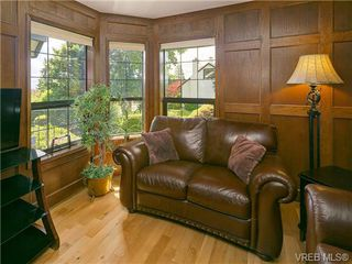 Photo 14: 803 Piermont Place in VICTORIA: Vi Rockland Single Family Detached for sale (Victoria)  : MLS®# 329617