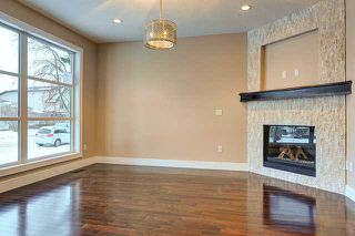 Photo 3: 2443 22 Street NW in CALGARY: Banff Trail Residential Attached for sale (Calgary)  : MLS®# C3600165