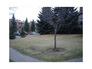 Photo 15: 43 2519 38 Street NE in Calgary: Rundle Townhouse for sale : MLS®# C3527833