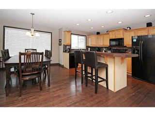 Photo 4: 56 PRESTWICK Close SE in Calgary: McKenzie Towne Residential Detached Single Family for sale : MLS®# C3652388