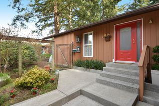 "Photo 5: 12373 NEW MCLELLAN Road in Surrey: Panorama Ridge House for sale in ""Panorama Ridge"" : MLS®# F1433996"