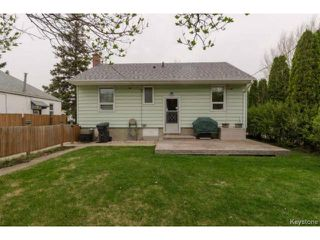 Photo 2: 407 Amherst Street in WINNIPEG: St James Residential for sale (West Winnipeg)  : MLS®# 1510775