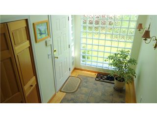 "Photo 3: 2542 MONTROSE Way in Squamish: Garibaldi Highlands House for sale in ""GARIBALDI HIGHLANDS"" : MLS®# V1123459"