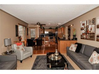 Photo 13: 39 SANDALWOOD Heights NW in Calgary: Sandstone House for sale : MLS®# C4025285