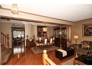 Photo 2: 39 SANDALWOOD Heights NW in Calgary: Sandstone House for sale : MLS®# C4025285