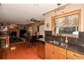 Photo 18: 39 SANDALWOOD Heights NW in Calgary: Sandstone House for sale : MLS®# C4025285