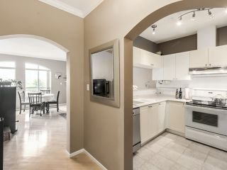 """Photo 3: PH13 511 W 7TH Avenue in Vancouver: Fairview VW Condo for sale in """"Beverly Gardens"""" (Vancouver West)  : MLS®# R2004156"""