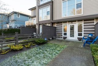 "Photo 2: 40 15405 31 Avenue in Surrey: Grandview Surrey Townhouse for sale in ""Nuvo 2"" (South Surrey White Rock)  : MLS®# R2018076"