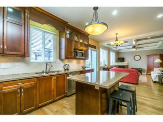 """Photo 10: 8157 211 Street in Langley: Willoughby Heights House for sale in """"Yorkson"""" : MLS®# R2043552"""