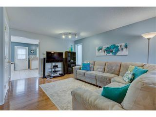 Photo 7: 26 HIDDEN VALLEY Link NW in Calgary: Hidden Valley House for sale : MLS®# C4079786