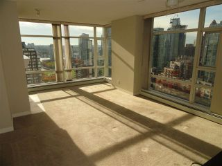 "Photo 7: 2206 1199 MARINASIDE Crescent in Vancouver: Yaletown Condo for sale in ""AQUARIUS ONE"" (Vancouver West)  : MLS®# R2116053"
