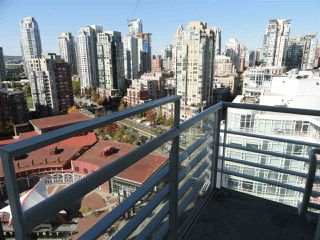 "Photo 3: 2206 1199 MARINASIDE Crescent in Vancouver: Yaletown Condo for sale in ""AQUARIUS ONE"" (Vancouver West)  : MLS®# R2116053"