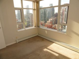 "Photo 9: 2206 1199 MARINASIDE Crescent in Vancouver: Yaletown Condo for sale in ""AQUARIUS ONE"" (Vancouver West)  : MLS®# R2116053"