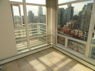 "Photo 11: 2206 1199 MARINASIDE Crescent in Vancouver: Yaletown Condo for sale in ""AQUARIUS ONE"" (Vancouver West)  : MLS®# R2116053"