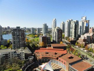 "Photo 2: 2206 1199 MARINASIDE Crescent in Vancouver: Yaletown Condo for sale in ""AQUARIUS ONE"" (Vancouver West)  : MLS®# R2116053"