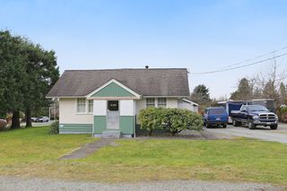 Photo 1: 6149 181A Street in Surrey: Cloverdale BC House for sale (Cloverdale)  : MLS®# R2147124