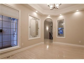 Photo 4: 129 SIMCOE Crescent SW in Calgary: Signal Hill House for sale : MLS®# C4106830