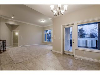 Photo 10: 129 SIMCOE Crescent SW in Calgary: Signal Hill House for sale : MLS®# C4106830