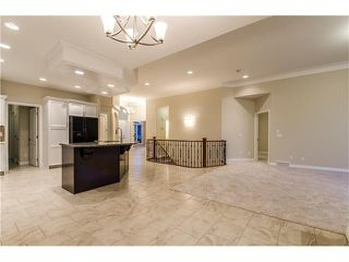 Photo 14: 129 SIMCOE Crescent SW in Calgary: Signal Hill House for sale : MLS®# C4106830