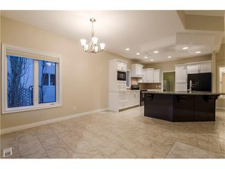 Photo 13: 129 SIMCOE Crescent SW in Calgary: Signal Hill House for sale : MLS®# C4106830