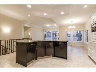 Photo 9: 129 SIMCOE Crescent SW in Calgary: Signal Hill House for sale : MLS®# C4106830