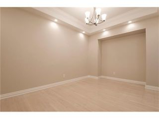 Photo 3: 129 SIMCOE Crescent SW in Calgary: Signal Hill House for sale : MLS®# C4106830